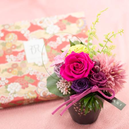 桜柄の花器にアレンジした和風プリザーブドフラワー電報